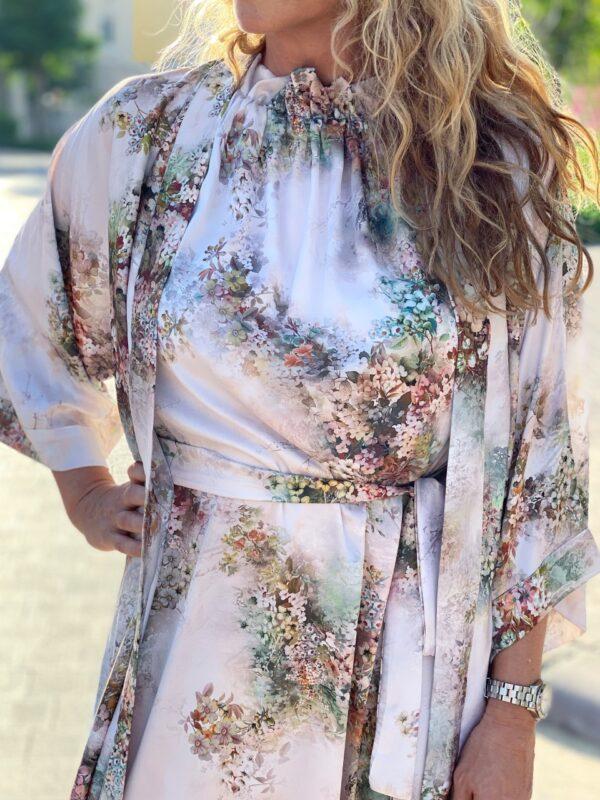 Flora tie kjole